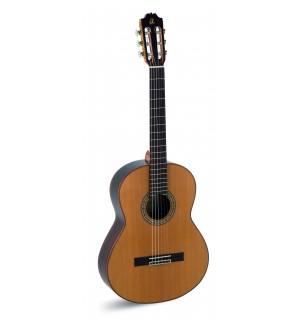 """Guitarra """"admira"""" A 10"""