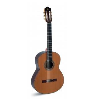 """Guitarra """"admira"""" A 15 EF"""